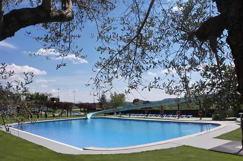 BUNGALOW & CAMPING BERGA RESORT