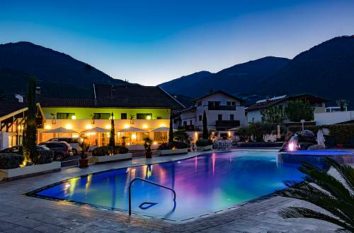 Luxury Camping Schlosshof Resort Merano
