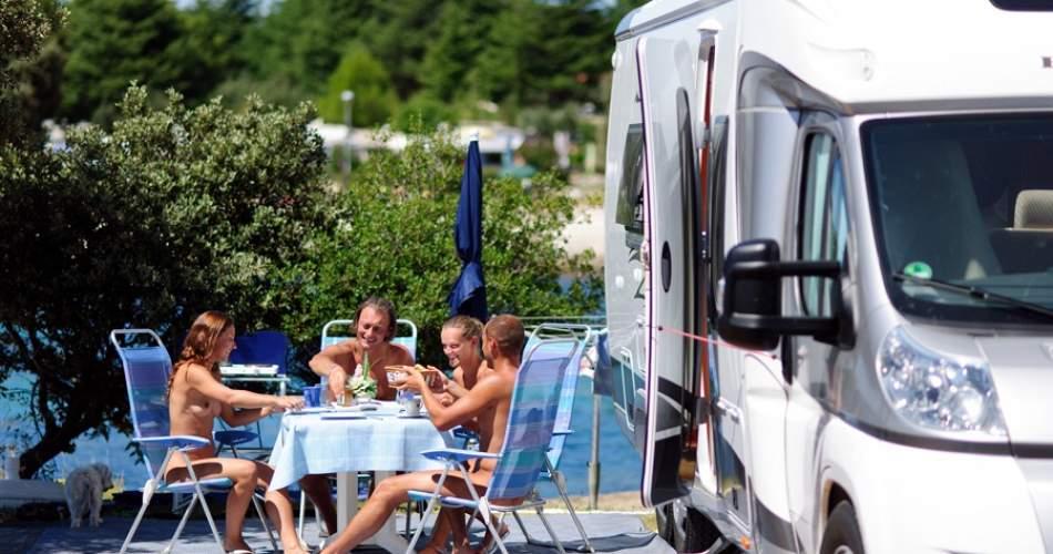 https://www.topcampings.com/img/6975/950/500/camping-naturist-koversada.jpg